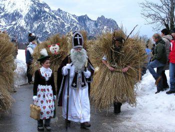Der hl. Nikolaus das Nikoloweibl und die Buttnmandl